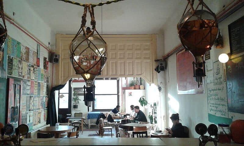 Gólya cultural bar