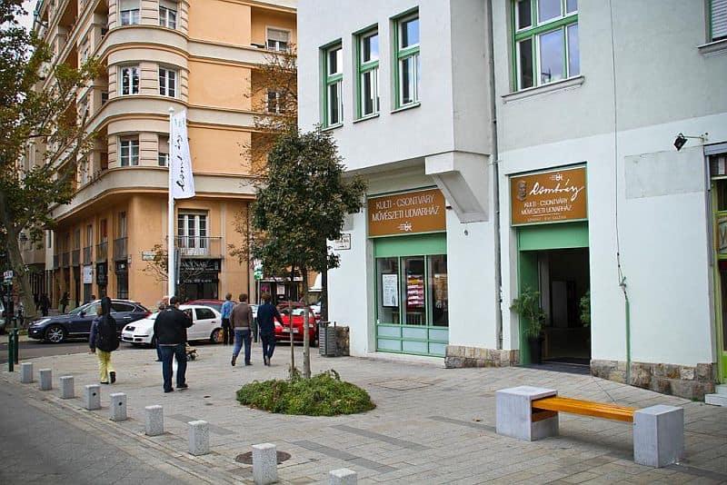 Bartók Béla avenue
