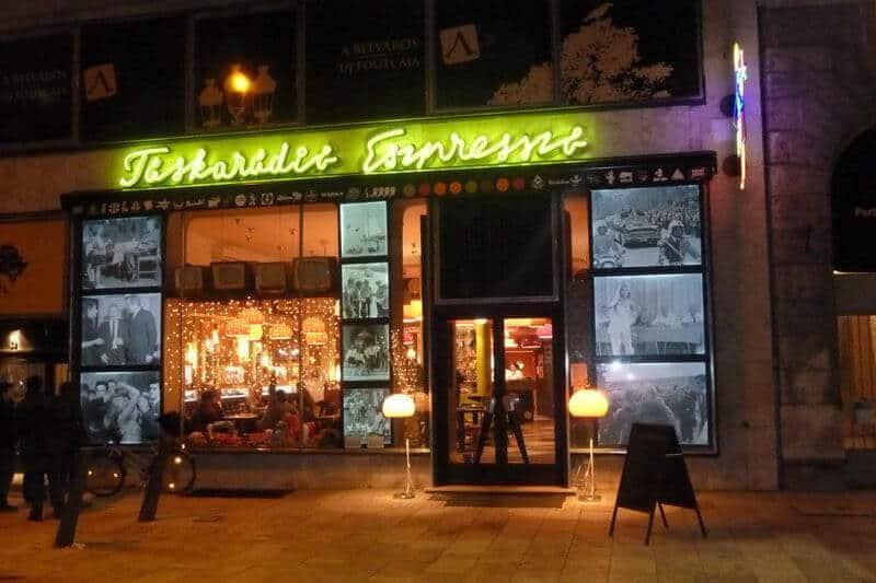 Táskarádió retro coffee shop Budapest