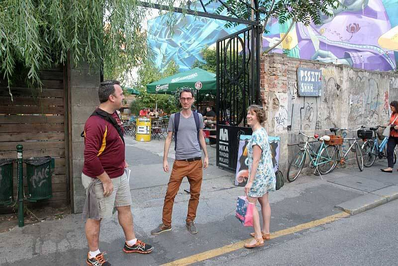 Street art tour in Budapest Jewsih district