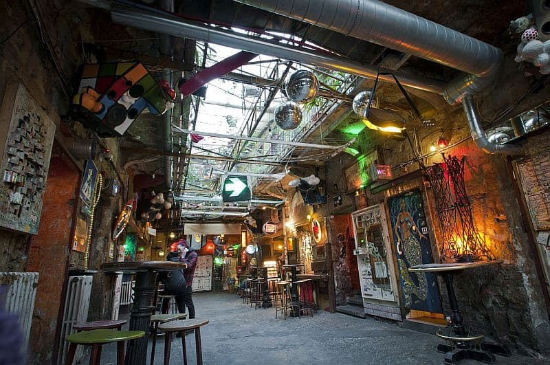 Szimpla kert ruin bar in the Jewish Quarter