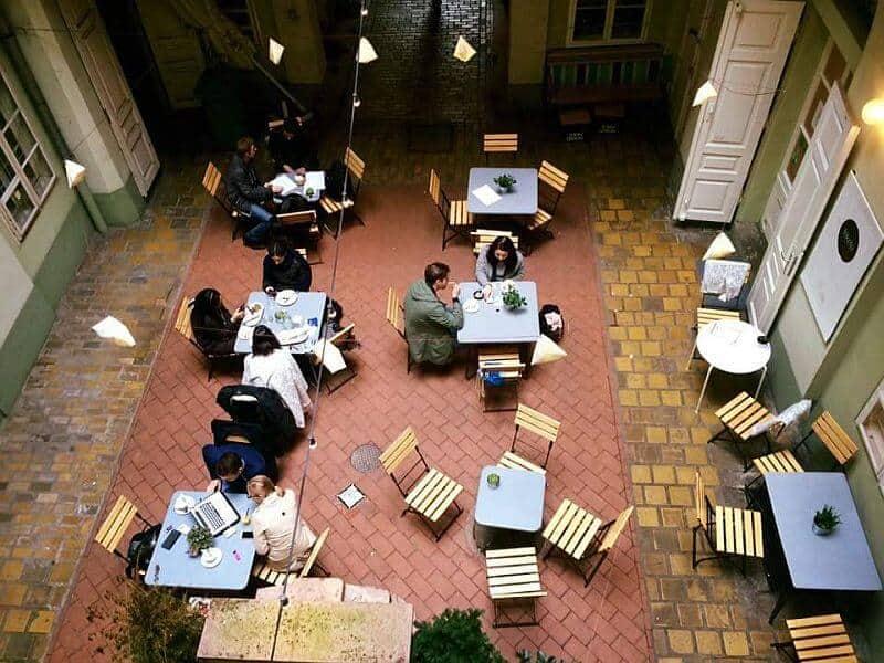 Fekete coffee shop