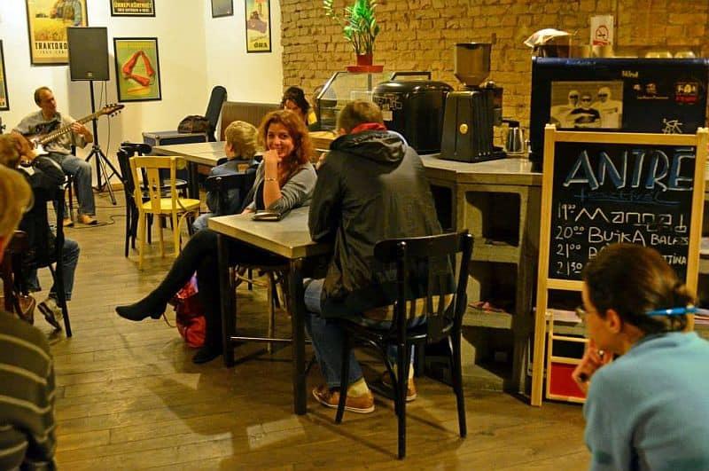 Kisüzem alternative bar Budapest