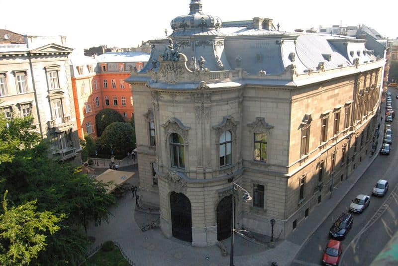 Szabo Ervin Library