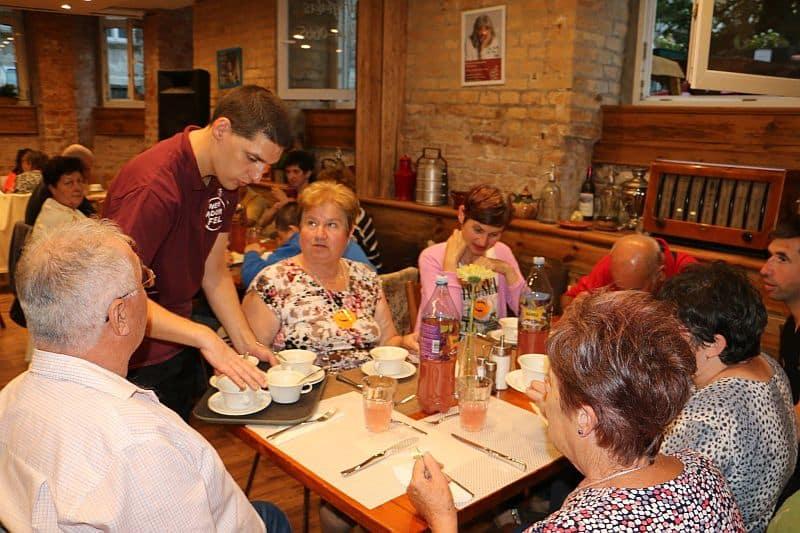 Nem Adom Fel Cafe and Restaurant