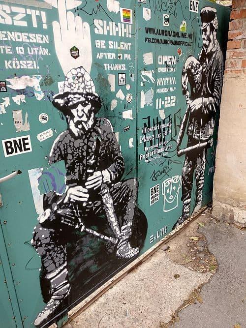 Street art at Aurora Edward von Longus
