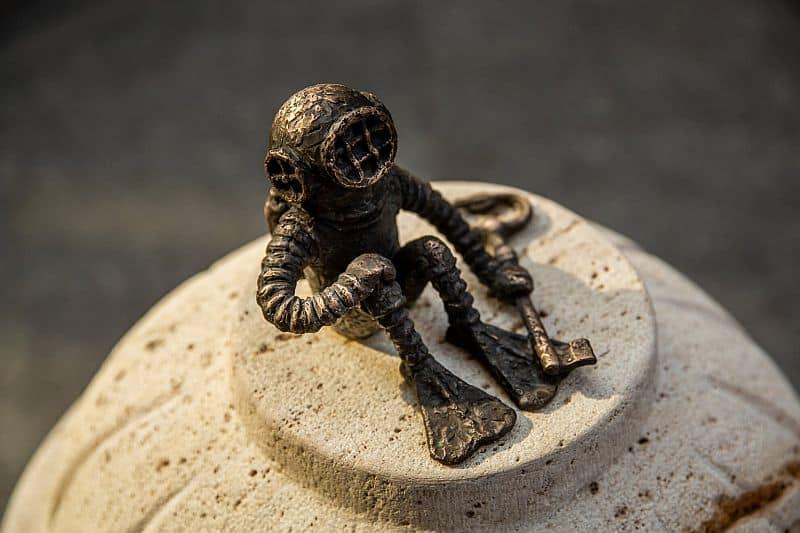Diver mini statue by Kolodko Mihály