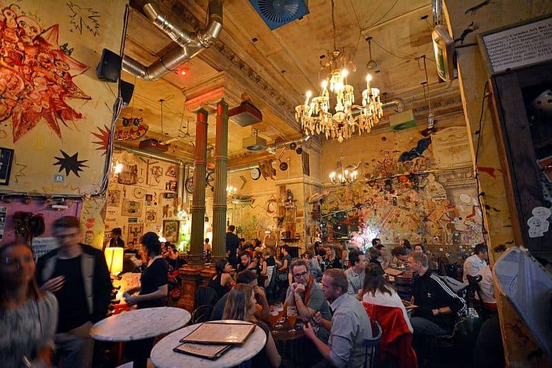 Csendes vintage bar Budapest
