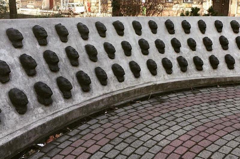 Masks statue Budapest