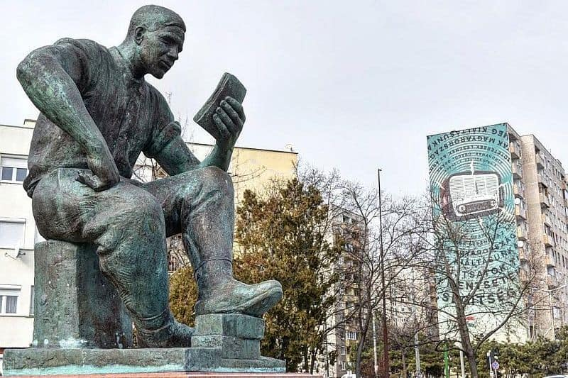 The Reading Worker statue Budapest