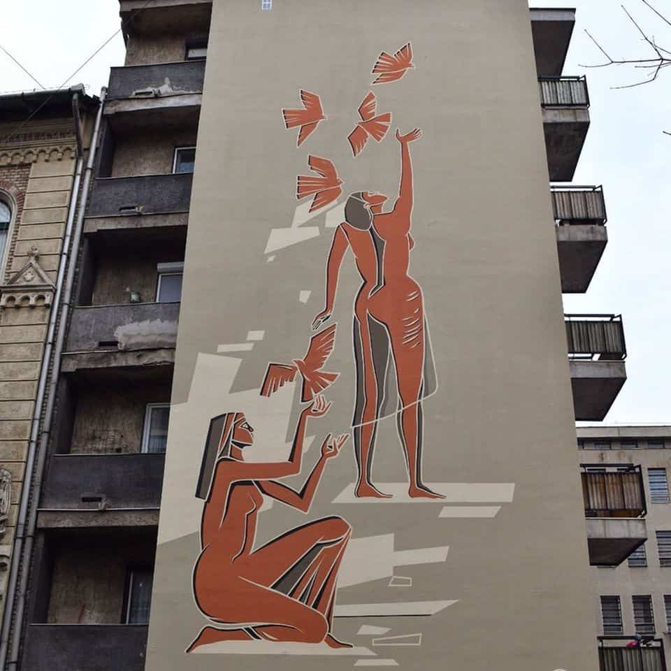 Women with Pigeons mural - renewed version from 2019