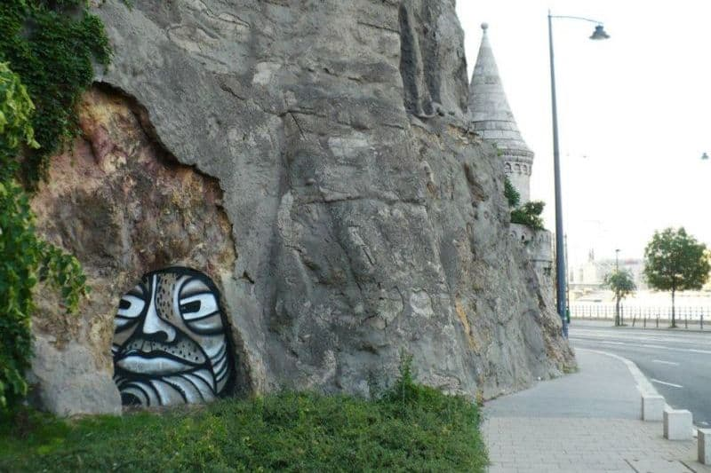 Graffiti by Void Hungarian street artist
